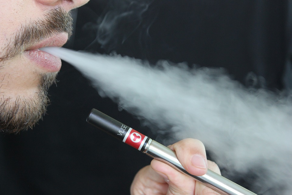 Quit Smoking in an Easy Way with Vaping