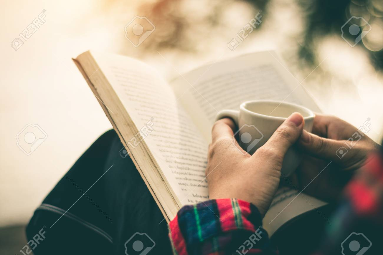 Which Is The Best Way Of Reading? Ebook VS Paper Book